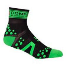 Compressport hoge hardloopsokken zwart-groen